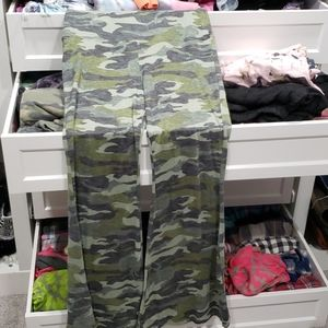 Camo flair comfy pants large